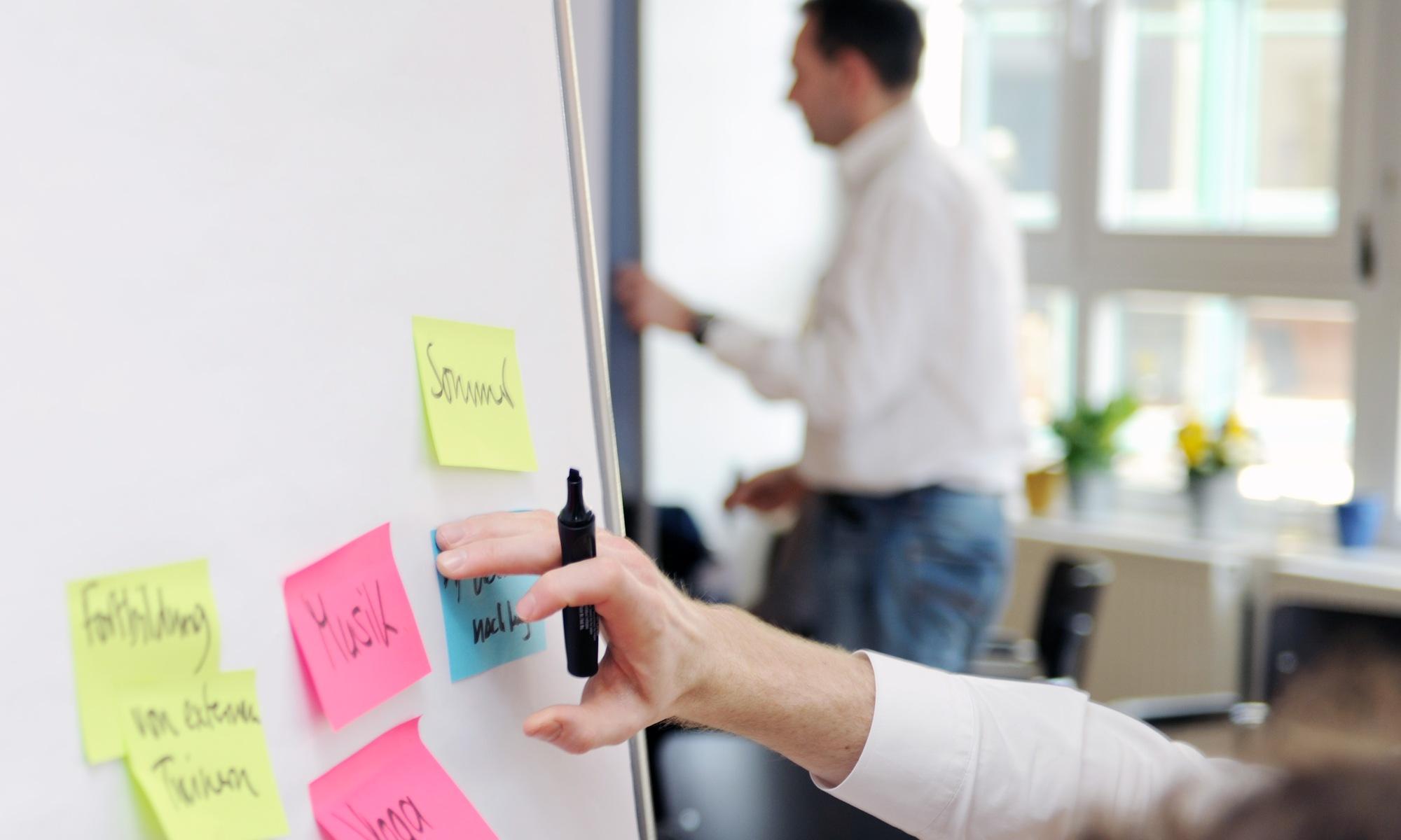 brainstorming-design-thinking-agile